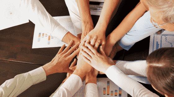 la conciergerie d'entreprise favorise la motivation et la cohésion des salaires